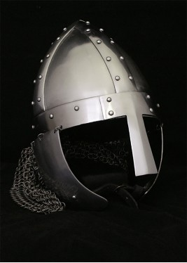 Spangenhelmet with cheek guards and aventail