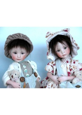 Porcelain Dolls - Baby in Spring - Dimensions: 29 cm.